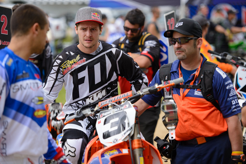 Keeping it cool at the MX1 starting grid with Tyler Medaglia and his KTM mechanic, Steph LeBlanc.