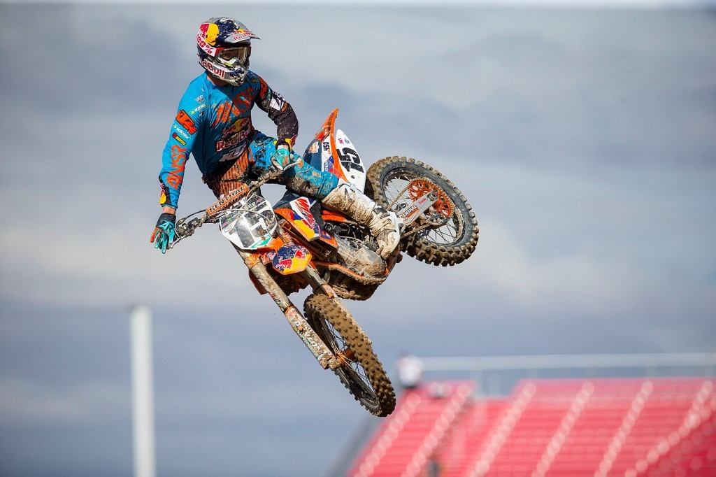 Dean Wilson showing off his new factory Red Bull KTM 450 SX-F.